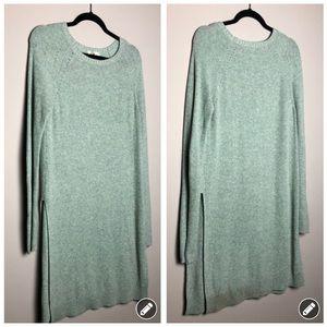 Anthropologie Moth green tunic length sweater